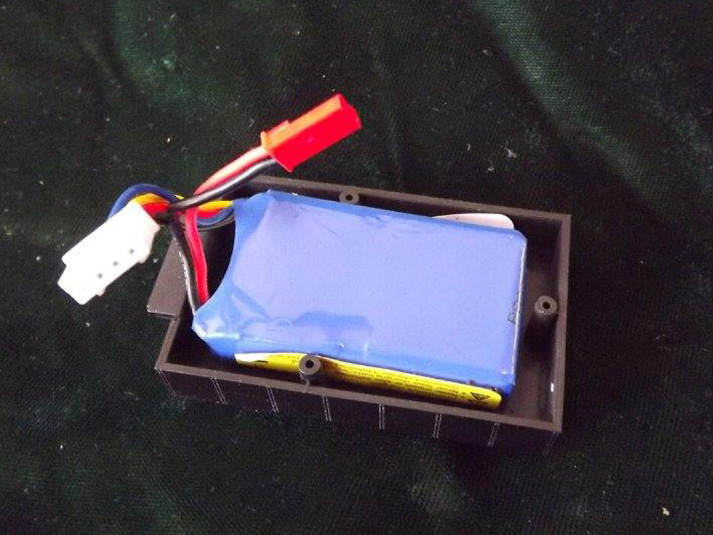 430mAh LiPo battery fits in the oil bunker.